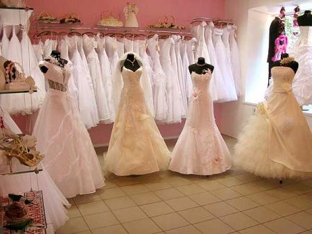 Оригинальность свадебных платьев
