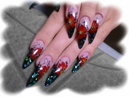 Дизайн ногтей цветными гелями