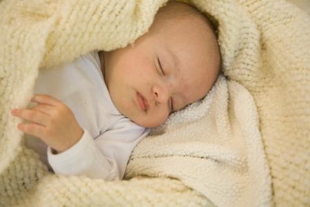 Детские одеяла для новорожденных  в чем особенности?