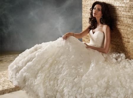 Модные тенденции свадебных платьев 2012 года