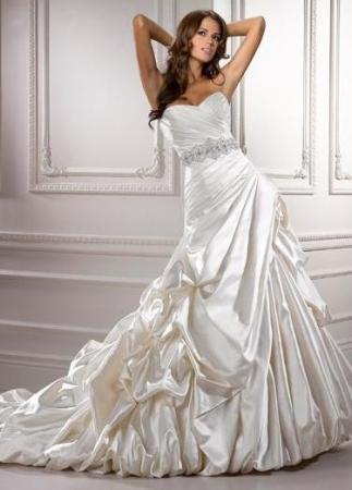 Сказочно красивые свадебные и вечерние платья