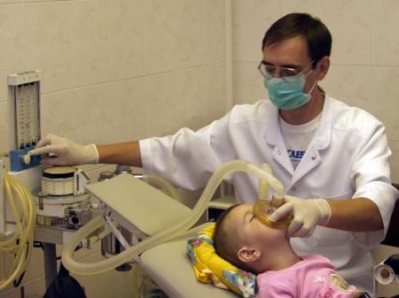 Лечение зубов во сне (под наркозом)