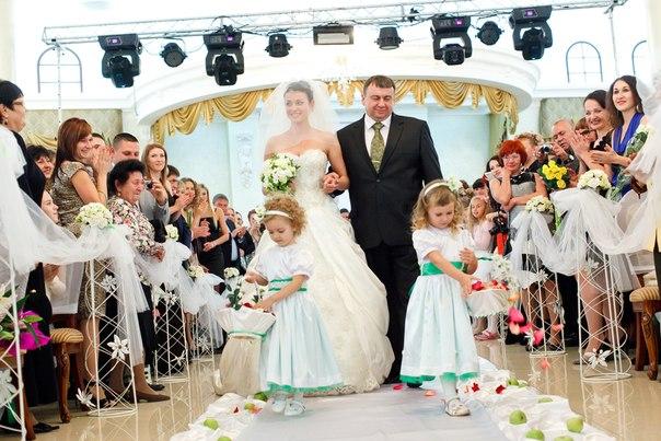 как пригласить знакомую на свадьбу