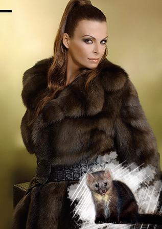 Легкие, элегантные, удобные, блестящие и нежные меха украшают представительниц