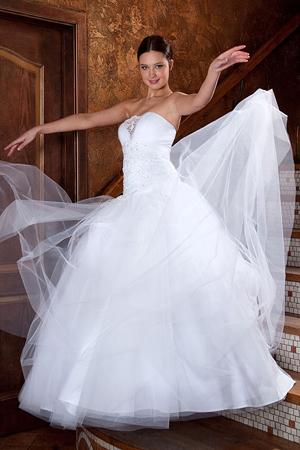 Свадебное платье для невысокой невесты - секреты профессионалов