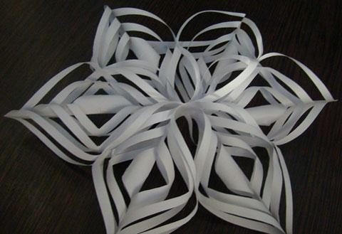 Снежинка из бумаги объемная