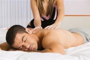 Как сделать массаж спины мужчине (видео уроки по) 82