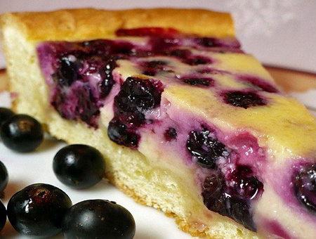 Пирог с замороженной черной смородиной и рецепт его приготовления