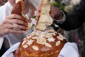 Как испечь свадебный каравай